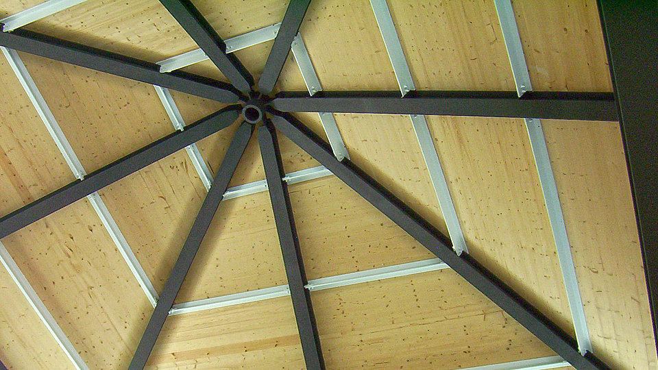 Steel substructure for a roof by Rädlinger