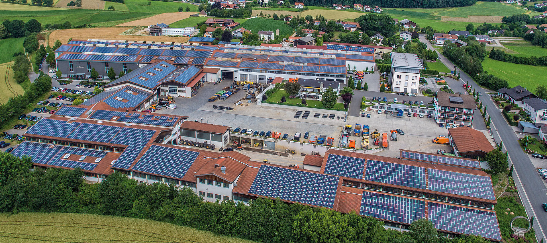 Aerial view of the headquarters and facilities of Rädlinger Maschinen- und Stahlbau GmbH in Cham, Germany