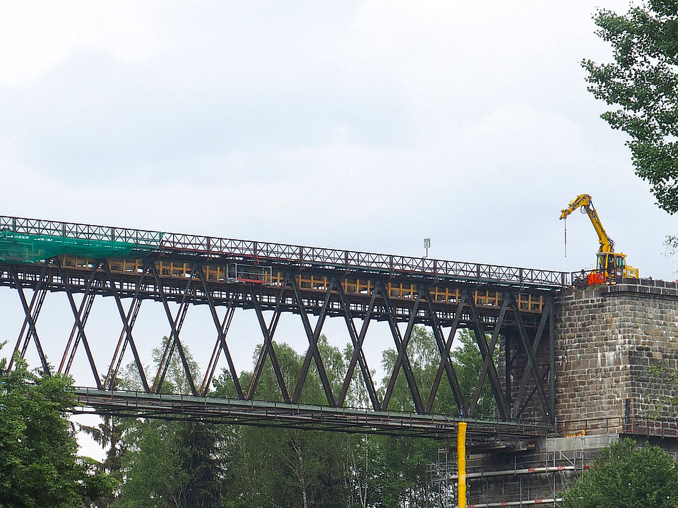 Renovation of a steel truss bridge by Rädlinger